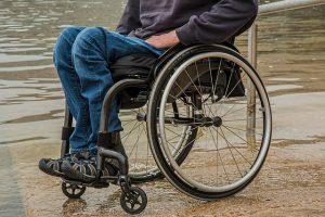 腰椎分離すべり症による麻痺